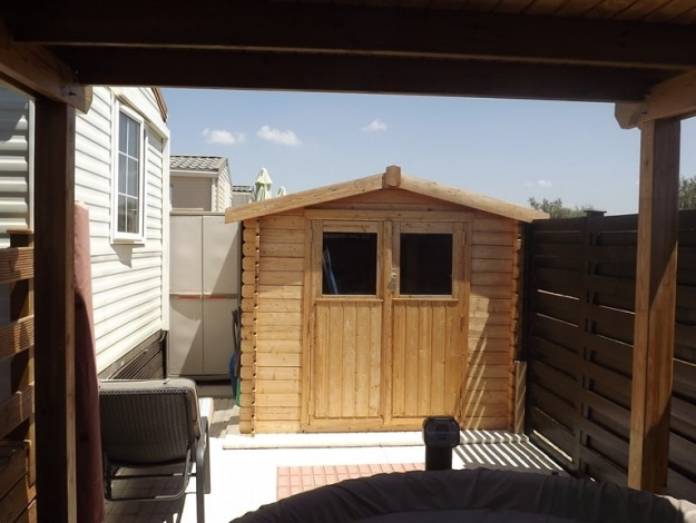 BK Bluebird Sheraton mobile home in Spain 104LP shed